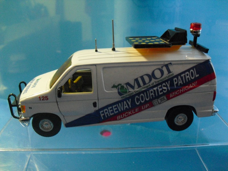 Model of a MDOT-MI-Freeway Courtesy Patrol Van-800x600