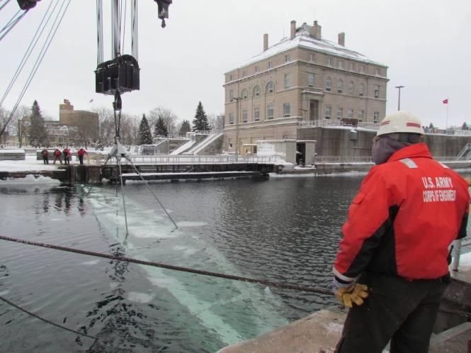 soo-locks-winter-repairs-work-1